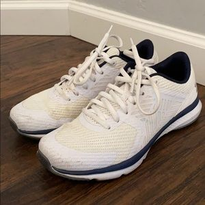 Under Armour running shoes LNC